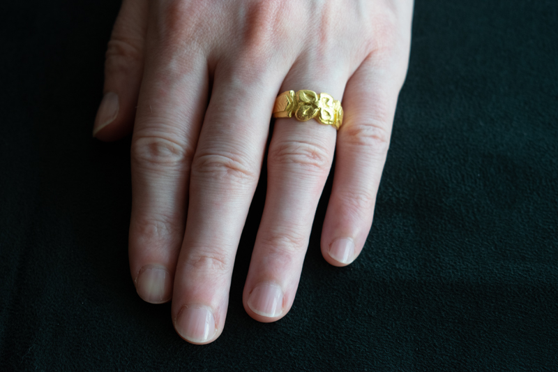 22ct gold carved flower ring