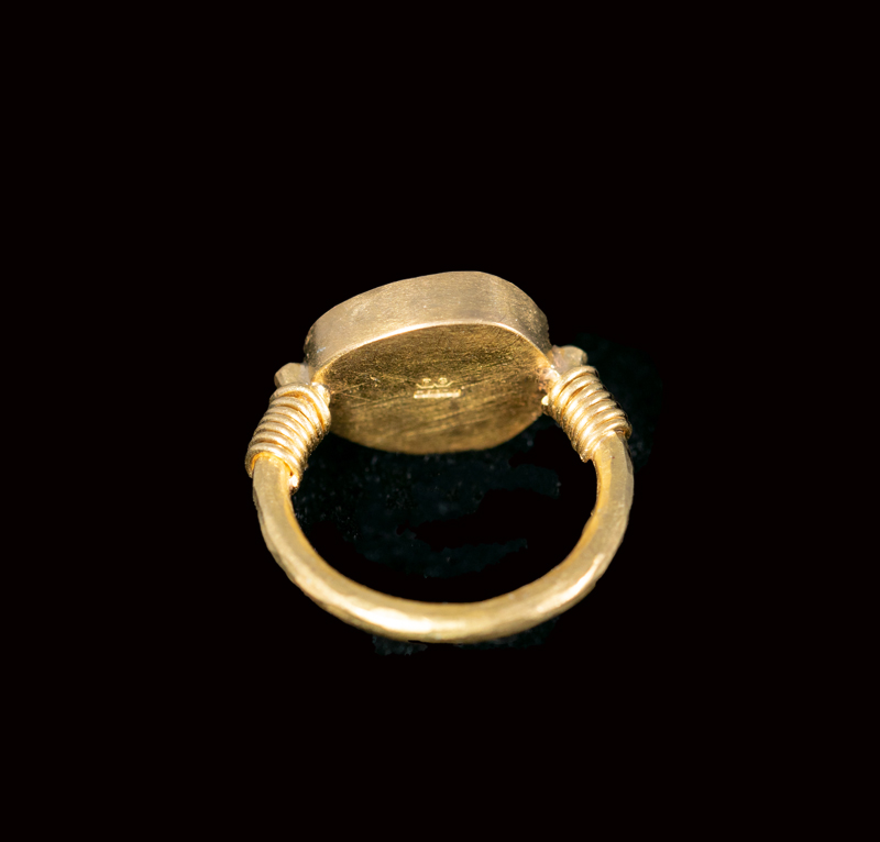 Silver Roman coin set in 22ct gold pinkie ring