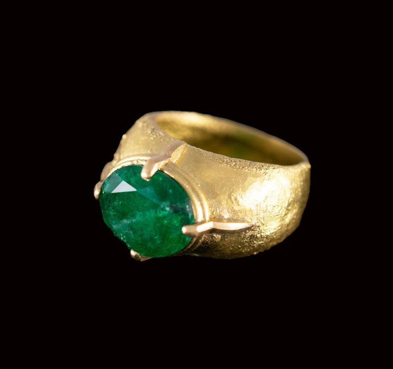 emerald ring with emerald Facet cut